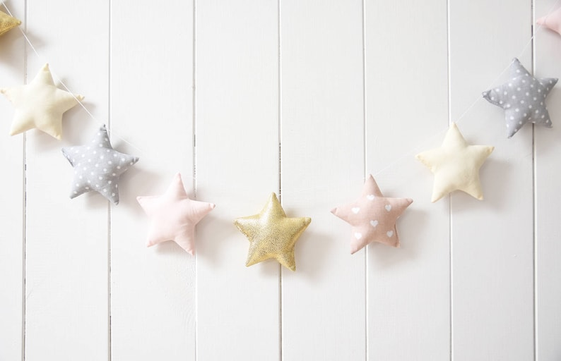 Guirlande étoiles pour chambre fille - Créatrice ETSY : Jobuko