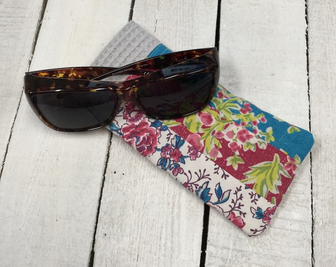 Patchwork sunglasses case, pretty  cotton fabric, large size - perfect for fitover sunglasses, handmade - floral  mix