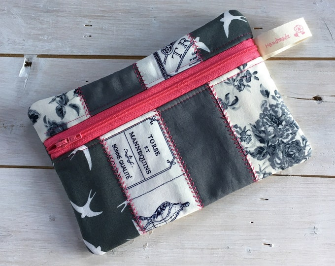 Large soft  Jewellery travel case, Make Up Bag, perfect for chunky jewelry or cosmetics, small purse