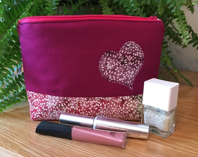Make up bag, Cosmetics purse - Handmade,Travel Make Up Bag, Gift for Friend, Travel Gift - Pink and Purple Heart