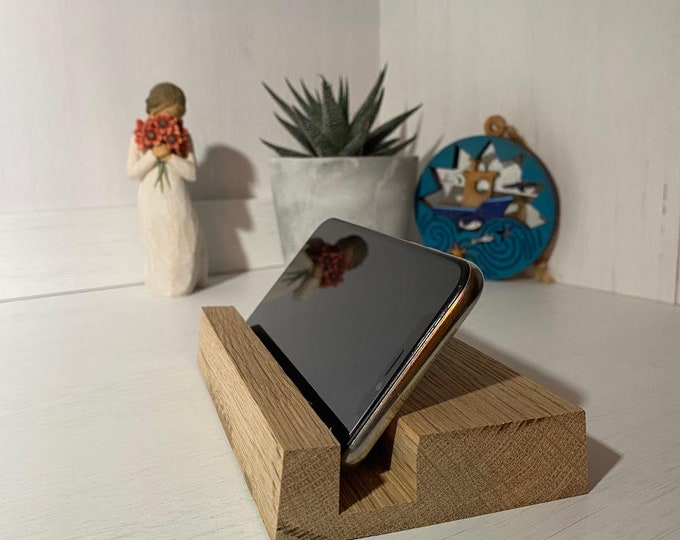 Handmade iPad and iPhone stand in solid wood oak or pine