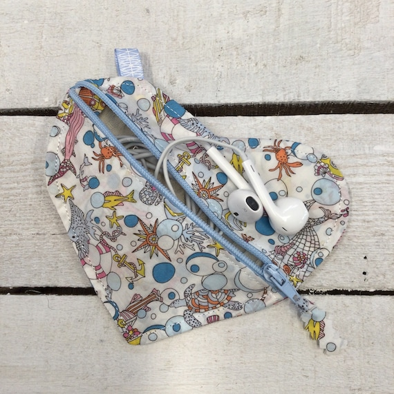 Liberty fabric Heart Jewellery or earbuds or AirPods bag, headphones travel case,  earring pouch, small purse, Handmade