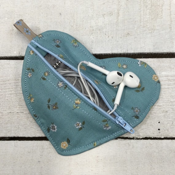Heart Jewellery or earbuds bag, headphones travel case,  earring pouch, small purse, Handmade