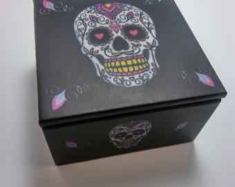 Skull box. Cool Skull Box. 4x4x2.5. Day of the Dead Sugar Skull box.