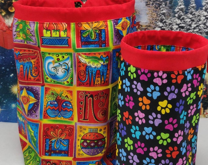 Christmas or not Project bag Twofer, reversible pouch for knitters or crocheters, fully lined with a drawstring.