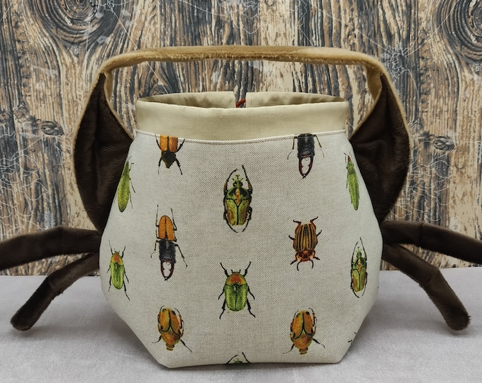 Insect/bug Earsbag with legs, projectbag, drawstring bag for knitting, crochet or anything you like