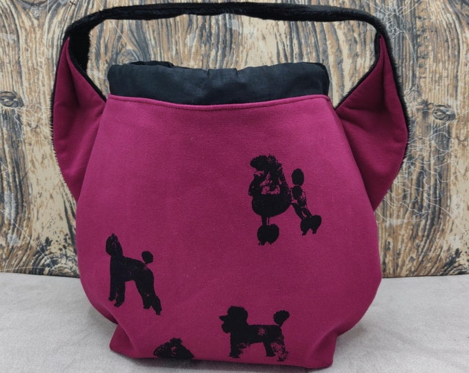 Poodle Ears Project bag  for knitters, closes with a drawstring and is fully lined