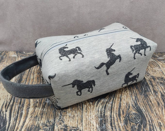 Unicorn Knitbox, a Project Bag for knitting, crochet, or whatever you like