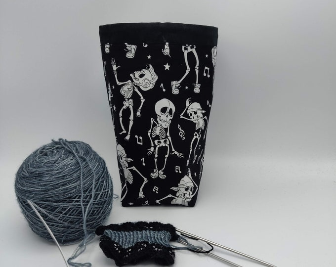 Halloween/Gothic Project bag Twofer, reversible pouch for knitters or crocheters, fully lined with a drawstring.