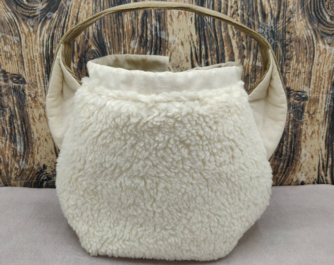 Sheep Ears Project bag with a tail for knitters, closes with a drawstring and is fully lined