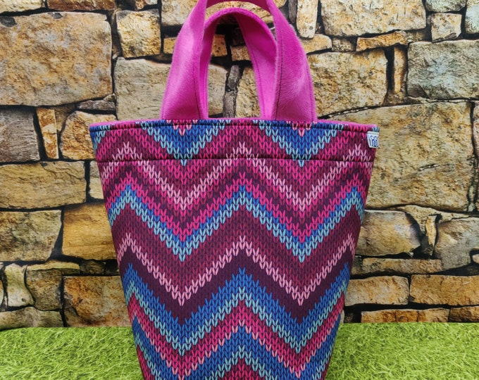 Project bag Knitting Bucket for knitters or crocheters, fully lined with a drawstring and handles