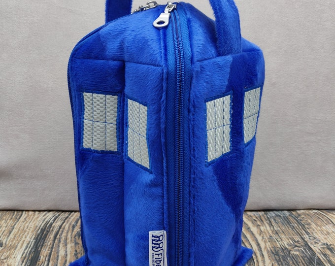 Tardis Knitbox project bag, for knitting and crochet projects up to 3 skeins, suitable as wrist bag/ yarn bowl, the yarn coming out the top