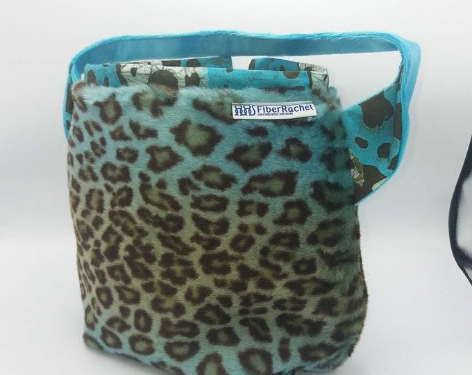 XL Ears bag, large drawstring bag for knitting, crochet or anything you like, sweater size met shoulderstrap, reinforced base, inside pocket