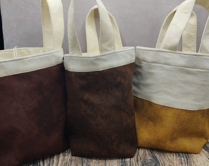 Project bag Beer Knitting Bucket for knitters or crocheters, fully lined with a drawstring and handles