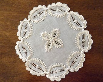 Vintage French Country Lace Doilie/Coaster 1930_Intricate Handmade Lace