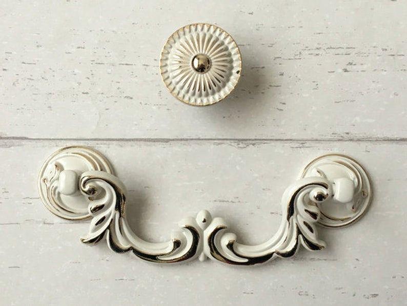 3 75 4 25 Shabby Chic Drawer Pulls Handles Dresser Knob Cream White Gold Drop Bail Rustic Kitchen Cabinet Knobs Handle Pull 4 1 4 96 108