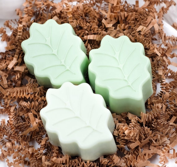 FALL LEAF SOAP in Pumpkin Spice Scent | 3 oz | Goat Milk Soap | Light and Medium Green Colors | Welcome Autumn!