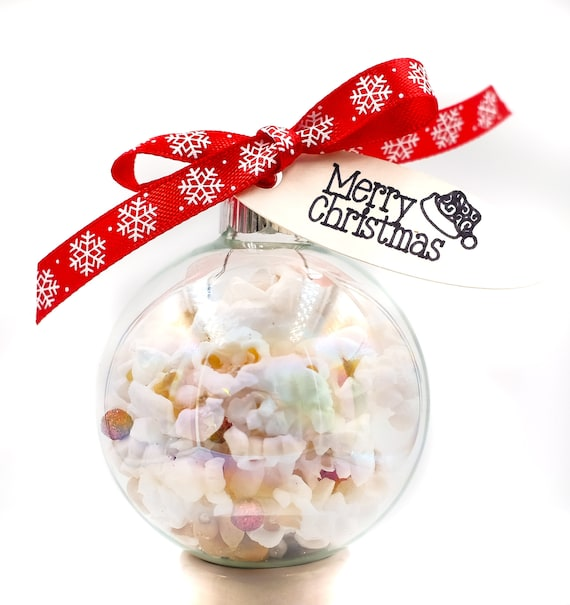 Popcorn Filled Glass Ornament with Berries