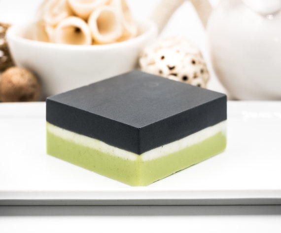 LUXURY LINE | Charcoal Spinach Powder Facial Bar | 5oz | PURE Lemongrass, and Eucalyptus Essential Oils | Anti-inflammatory and Soothing