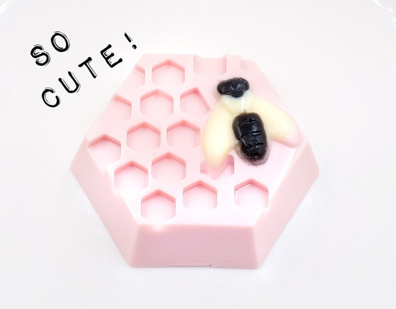 Bee on Blackberry Raspberry Hive Soap Bar | 2.6 oz | Fun Look, Sweet Soft Scent!