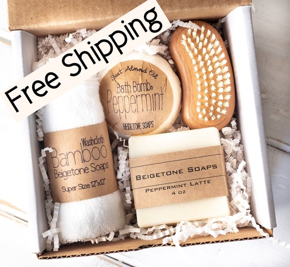 Peppermint Gift Set Mailer | FREE SHIPPING | Bamboo Washcloth - Peppermint Bath Bomb (7oz) - Soap Bar (4oz) - Wooden Nail Brush