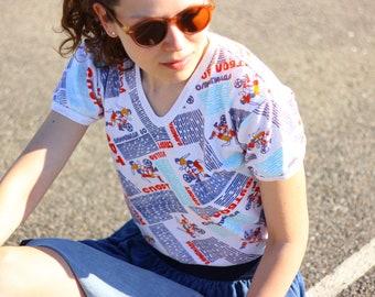 USSR Olympic T-Shirt - FOOTBALL / Rare! 1980 Soviet Summer Games СПОРТ - Sport - Футбол - Russian Printed V- Neck Cotton Top  ----> Small