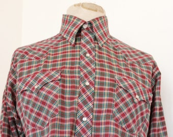 """Vintage 1970s 70s poly cotton red green checked Western cowboy shirt pearl snaps country rockabilly 44"""" chest"""