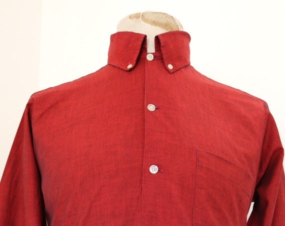 """Vintage 1960s 60s iridescent red shirt permanent press Ivy League style roll button down collar made in USA 41"""" chest mod"""