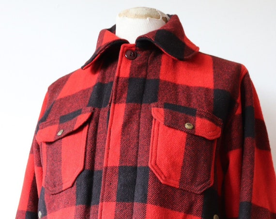 """Vintage 1950s 50s Woolrich red black bufflao plaid checked wool hunting shooting jacket rockabilly 44"""" chest chin strap"""