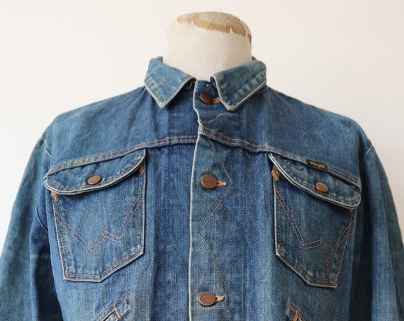 "Vintage 1960s 60s Wrangler selvedge denim jacket 46"" chest work workwear chore rope font made in USA faded"