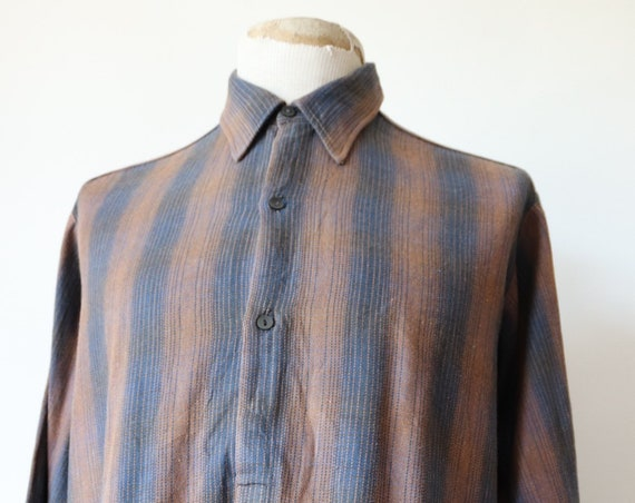 """Vintage 1940s 40s french brown grey cotton flannel work pop over shirt smock 51"""" chest workwear chore shadow stripe"""