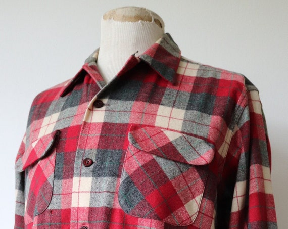 """Vintage 1960s 60s Field and Stream red grey cream plaid wool checked shirt 48"""" chest rockabilly loop collar hunting camping flap pocket"""