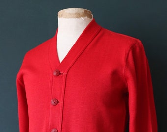 Vintage 1950s 50s American USA red wool knitted varsity Ivy League style rockabilly mod chenille patch jumper sweater cardigan knitwear