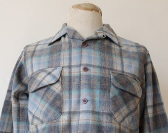 """Vintage 1970s 70 1980s 80s blue grey Pendleton checked plaid wool board shirt loop collar rockabilly made in USA 43"""" chest"""