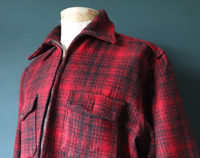 "Featured listing image: Vintage 1950s 50s 1960s 60s Melton red black buffalo plaid jacket checked hunting work workwear chore XXL 51"" chest D pocket"