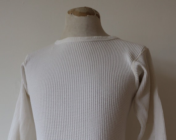 "Vintage 1970s 70s white waffle thermal undershirt shirt top unisex long sleeved underwear 32"" 34"" chest workwear work chore"