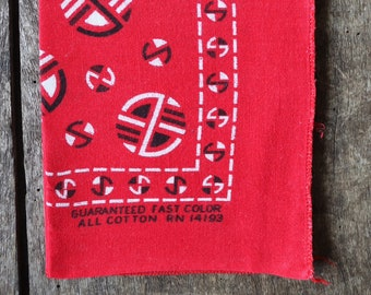 Vintage 1960s 60s cotton colourfast colorfast faded turkey red bandana pocket square neckerchief western cowboy
