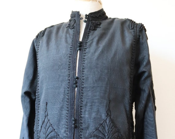 "Vintage black grosgrain silk Chinese Thai handmade embroidered embellished applique jacket mens womens gothic 43"" chest"