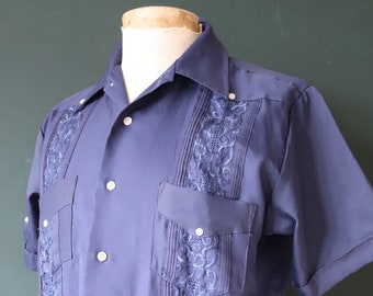 "Vintage 1970s 70s navy blue Mexican wedding Guayabera rockabilly tiki shirt short sleeve pleated safari embroidered 44"" chest"