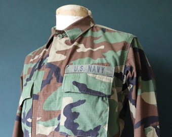 """Vintage 1990s 90s US Navy USN camo camouflage woodland field shirt jacket 43"""" chest miltary (1)"""