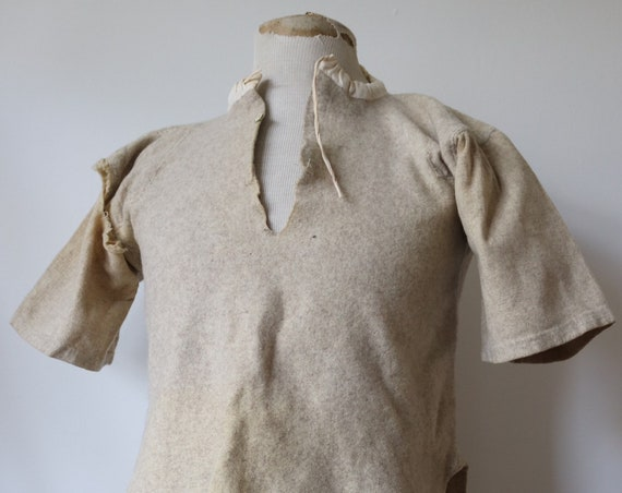 "Vintage 1930s 30s 1940s 40s military grey wool undershirt underwear shirt 40"" chest patched darned repaired smock"