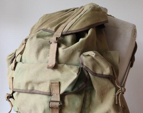 Vintage 1970s 70s large khaki cotton canvas metal frame backpack ruck sack bag camping hiking walking