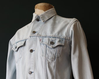 """Vintage 1980s 80s Levis Levi Strauss pale washed out denim type three trucker jacket small e red tab 40"""" chest workwear"""