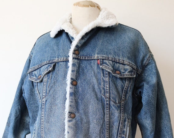 "Vintage 1980s 80s Levis Levi Strauss shearling sherpa lined blue denim trucker jacket red tab small e 48"" chest workwear made in USA"