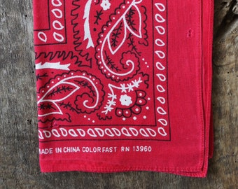 Vintage 1990s 90s faded turkey red paisley printed cotton bandana pocket square western cowboy rockabilly RN13960