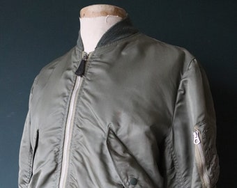 "Vintage 1970s 70s USAF US air force L-2B L2B flight light zone jacket Scoville zipper military Alpha Industries green lining 45"" chest"
