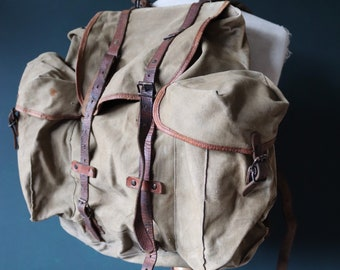 Vintage 1950s 50s french army military khaki green rucksack backpack leather cotton canvas camping hiking metal frame