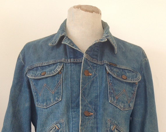 "Vintage 1960s 60s Wrangler selvedge denim jacket 44"" chest work workwear chore rope font made in USA faded"