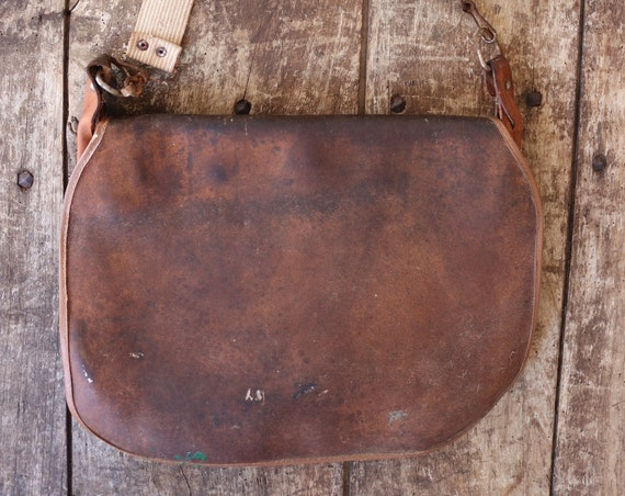 Vintage 1950s 50s 1960s french brown leather canvas shoulder hunting bag mens womens game net fishing