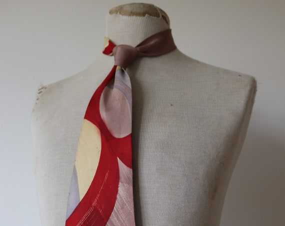Vintage 1950s 50s printed silk red mauve tie necktie rockabilly